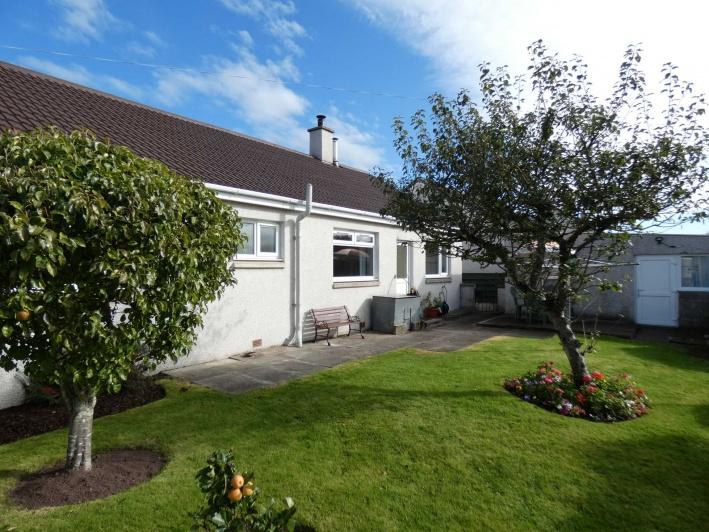 35 Pinewood Road, Mosstodloch, IV32 7JU, 3 Bedrooms Bedrooms, ,1 BathroomBathrooms,Bungalow,For Sale,Pinewood Road,1050